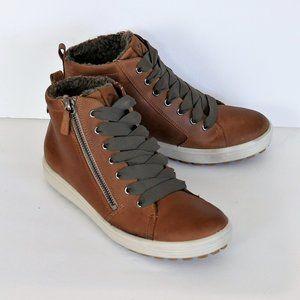 ECCO Women's Soft 7 Tred Gore-tex High Sneaker Sz7